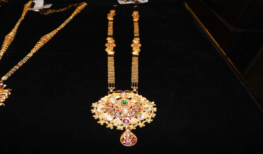 Best designer collection of gold mangalsutra jewellery in Bhiwandi, Thane and Mumbai